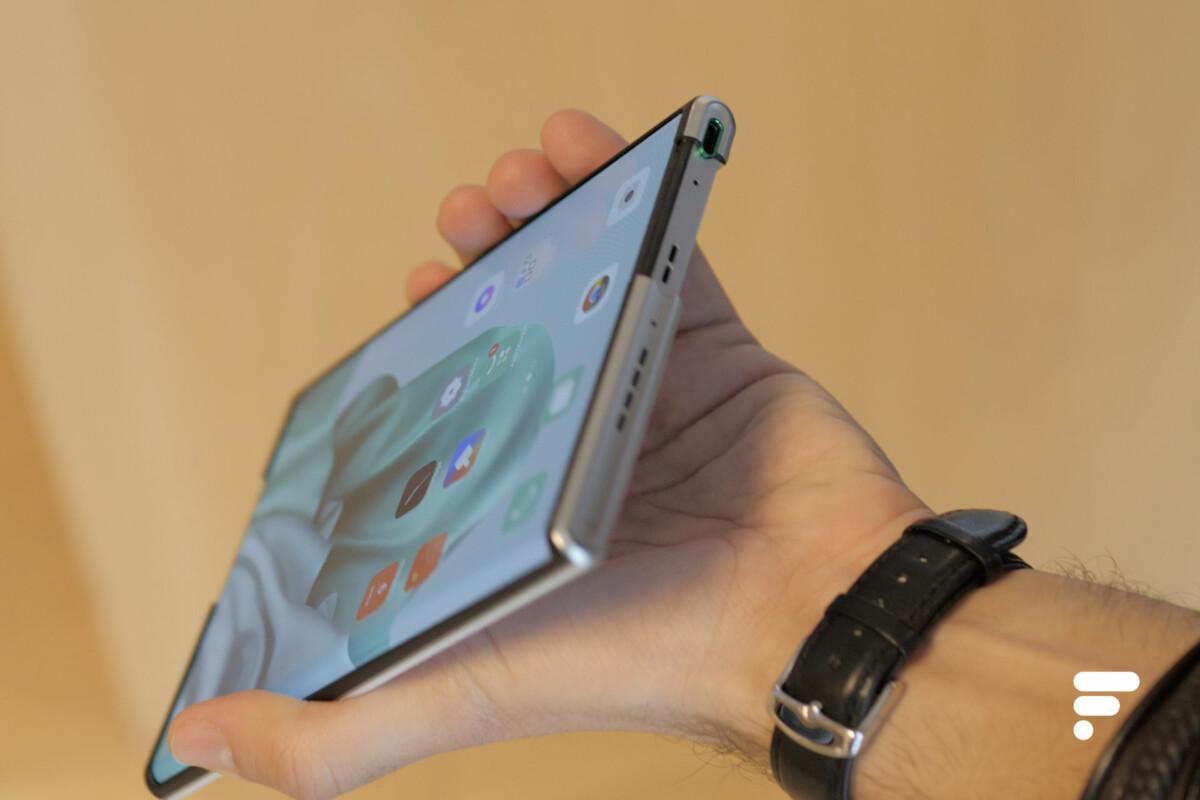Le port USB-C de l'Oppo X 2021