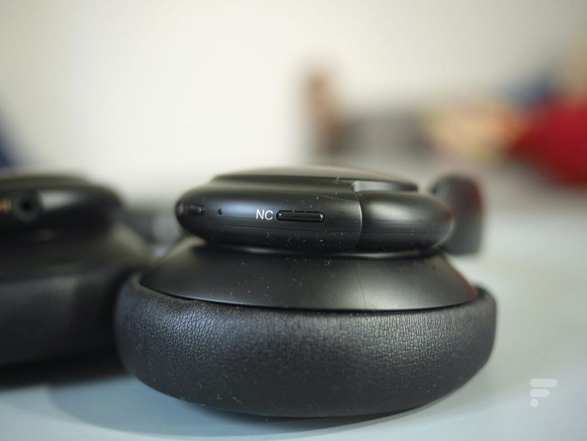 Un bouton permet de modifier la réduction de bruit du Soundcore Life Q30 d'Anker