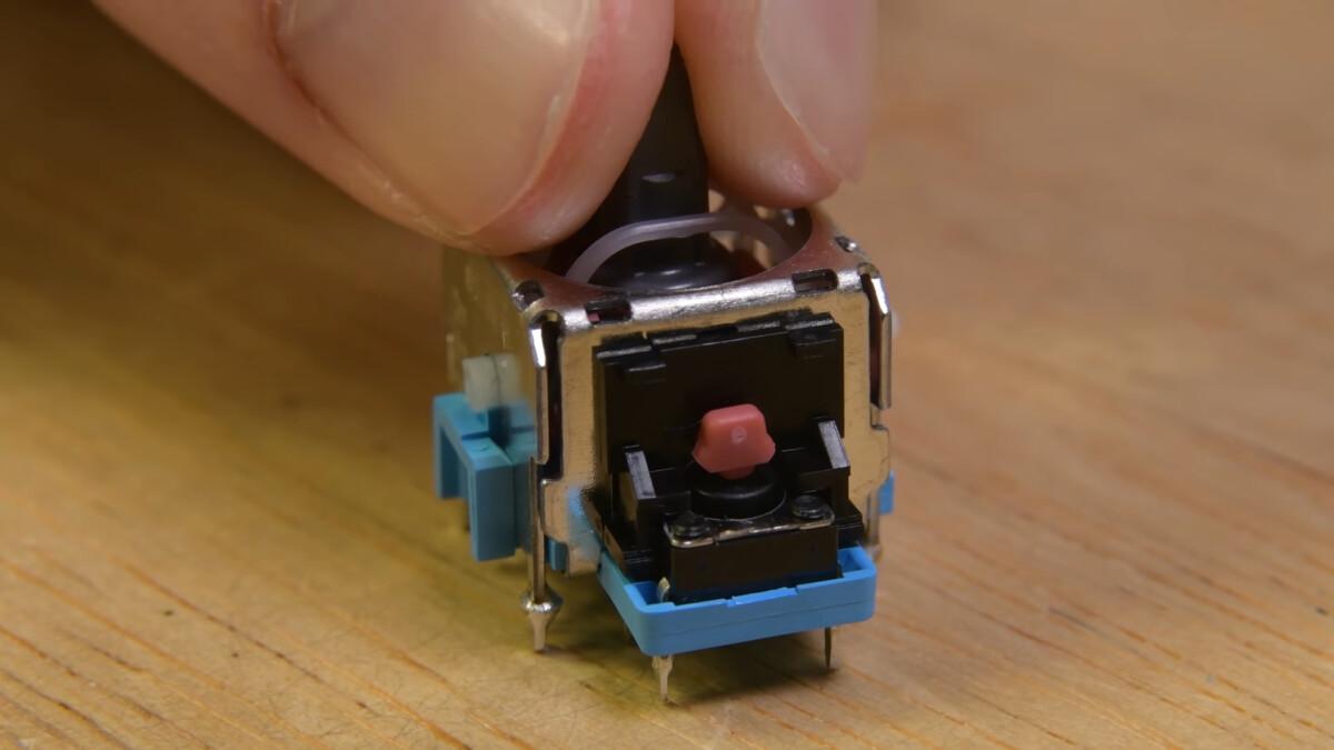 Un potentiomètre de manette DualSense pour la PS5