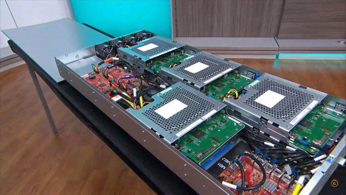 Voilà à quoi ressemble un serveur xCloud de Microsoft, ce sont des Xbox One S qui ont été rassemblées
