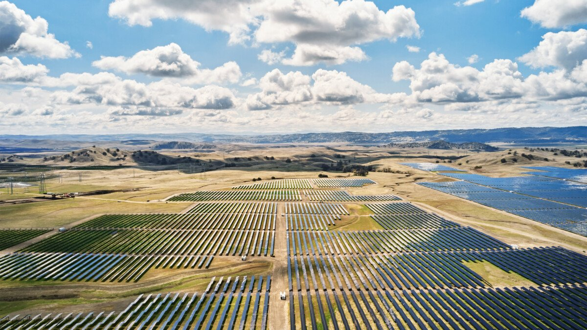 La ferme solaire California Flats qui va alimenter l'Apple Park
