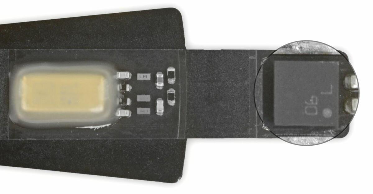 Enlarged temperature and humidity sensor hidden in HomePod mini