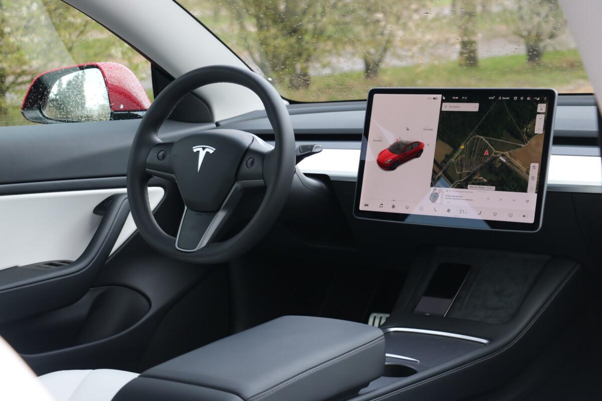 L'intérieur de la Tesla Model 3 2021