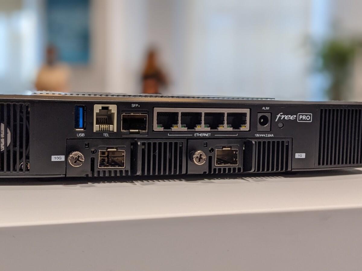 Les connectiques de la Freebox Pro
