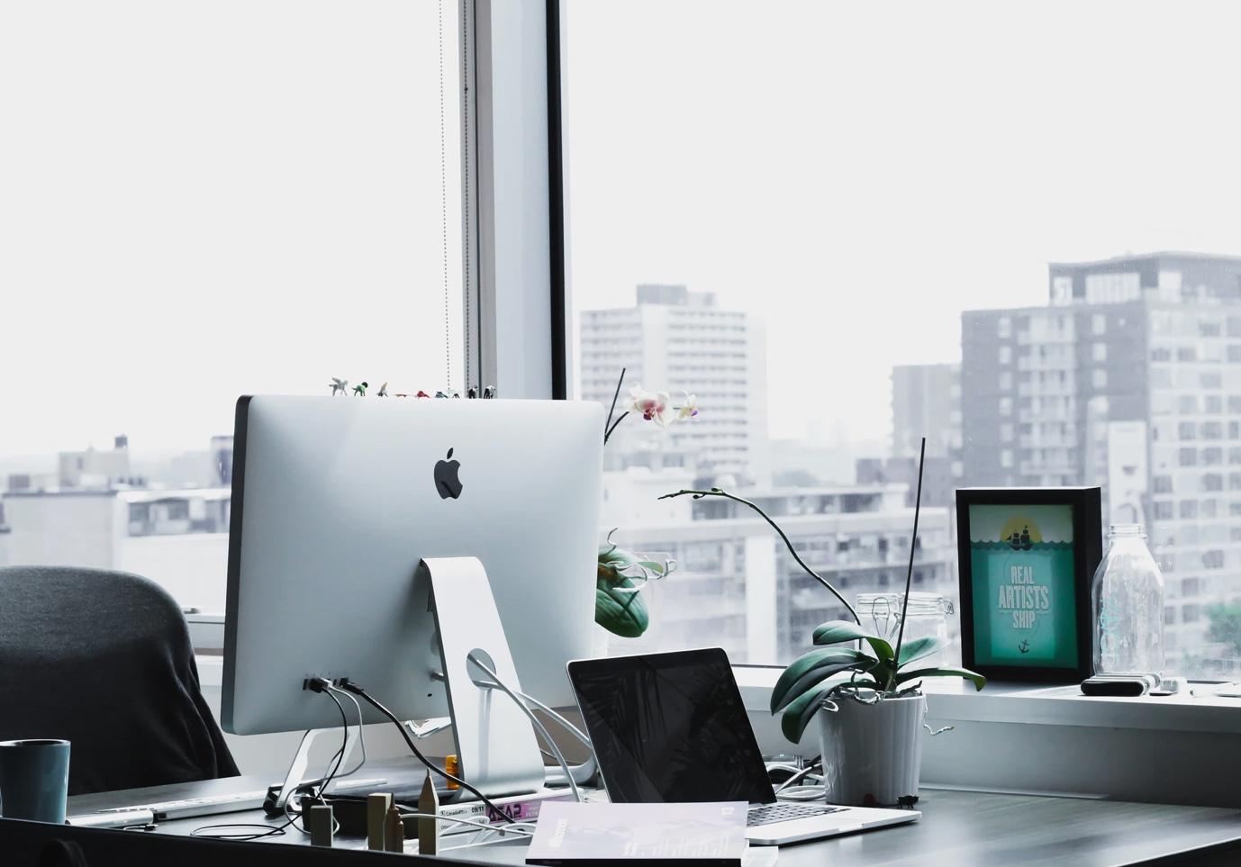 Apple nous préparerait bien deux nouveaux iMac, l'un de 21,5pouces, l'autre de 27pouces, équipés de puces Apple Silicon