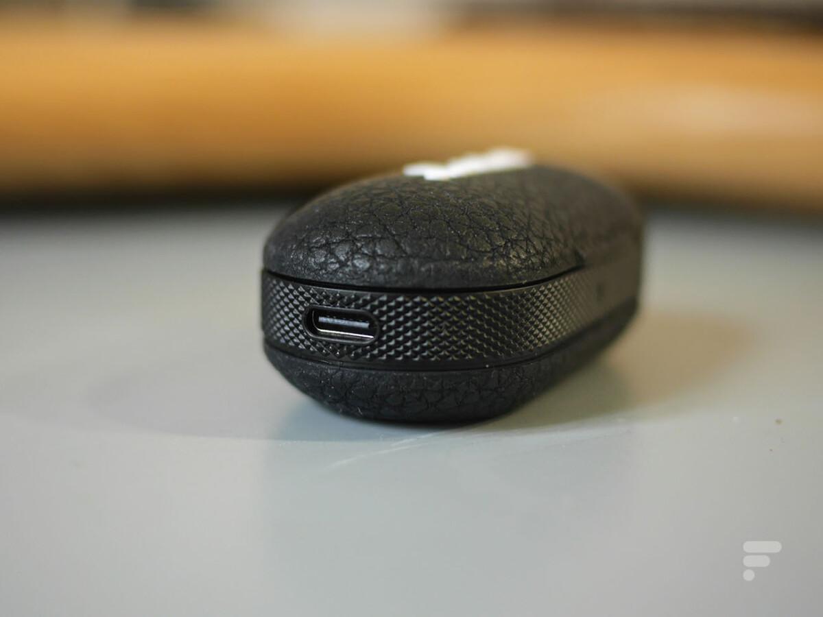 La prise USB-C du boîtier des Marshall Mode II