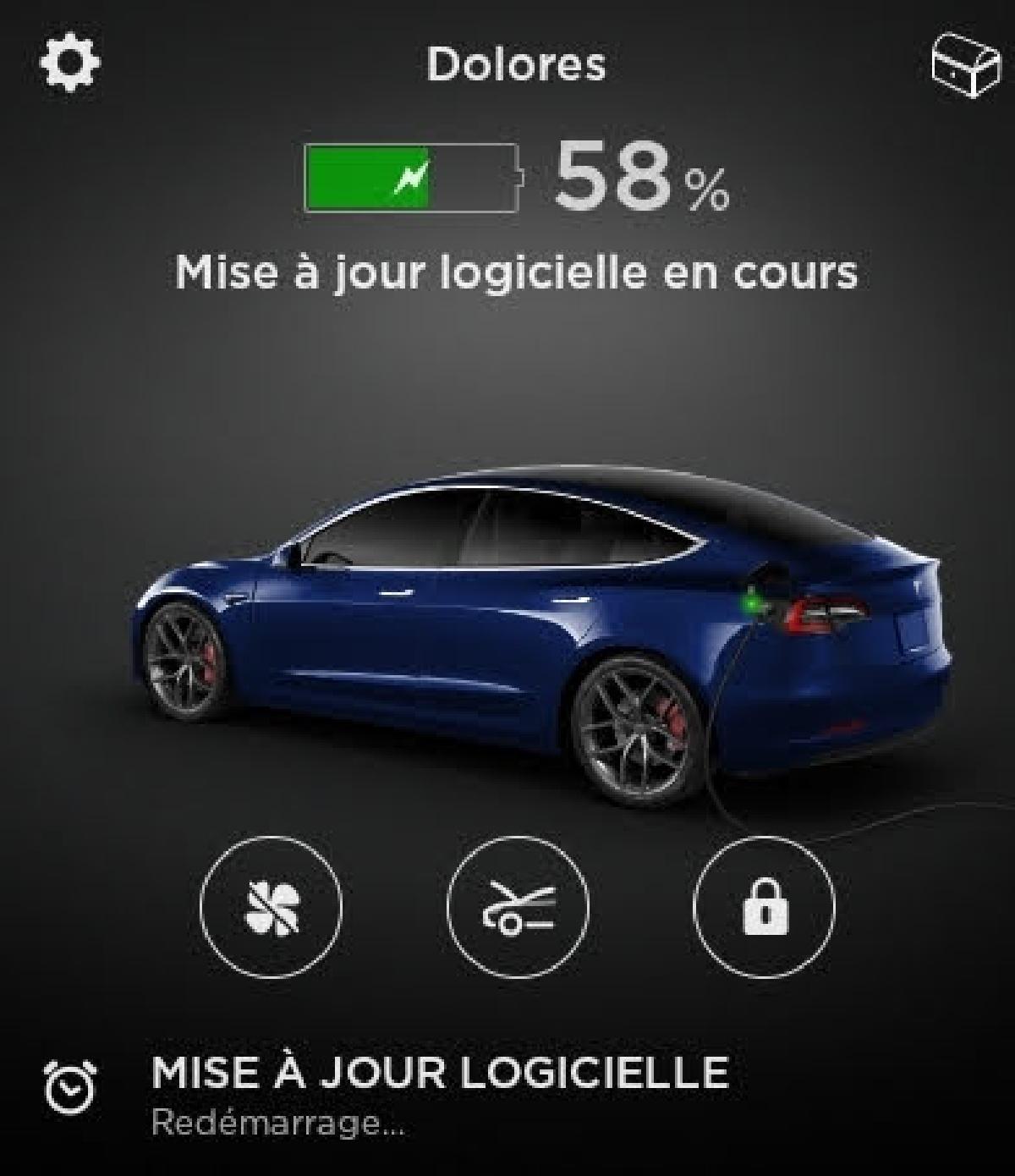 Une mise à jour de la voiture, via l'application Tesla
