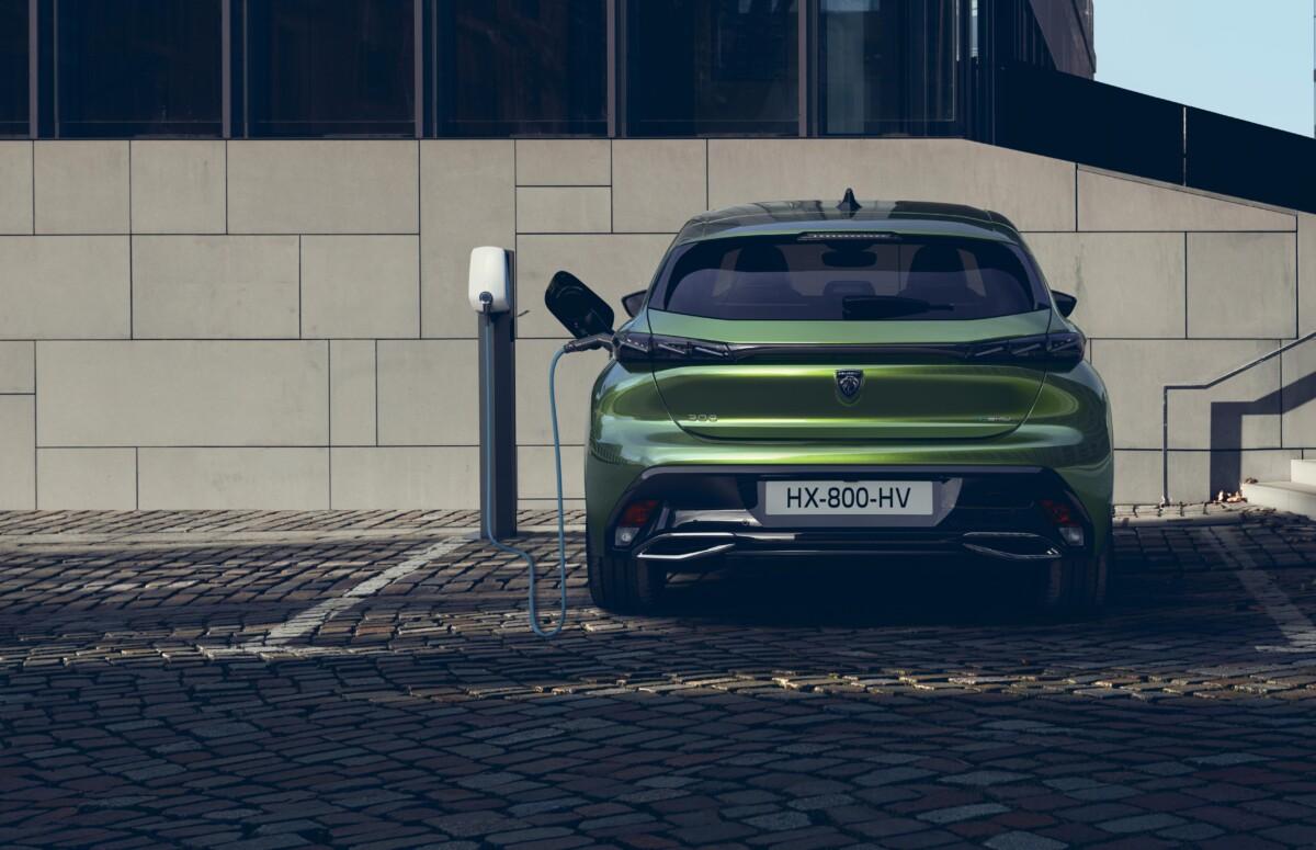Nouvelle Peugeot308: des versions hybrides rechargeables avec le nouveau i-Cockpit et un assistant vocal