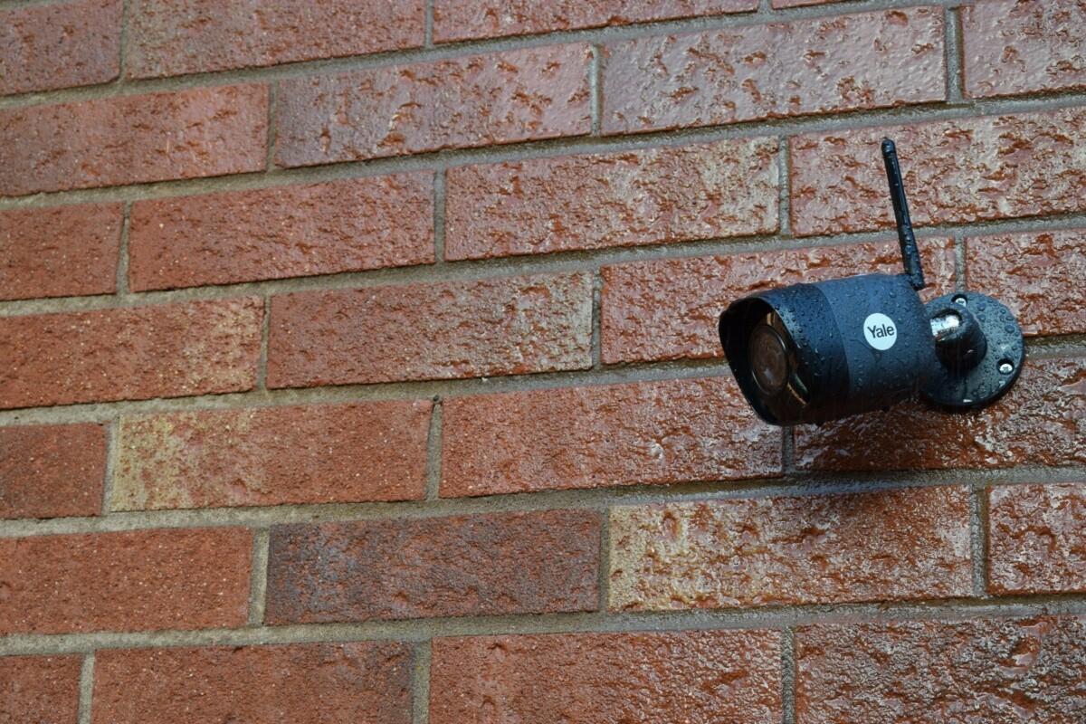 The Outdoor Pro Wi-Fi surveillance camera - 4MP