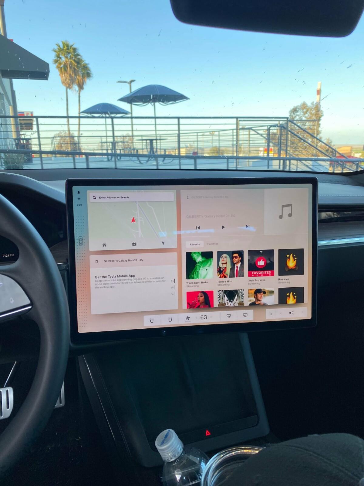 Bienvenue dans la Tesla Model S Plaid