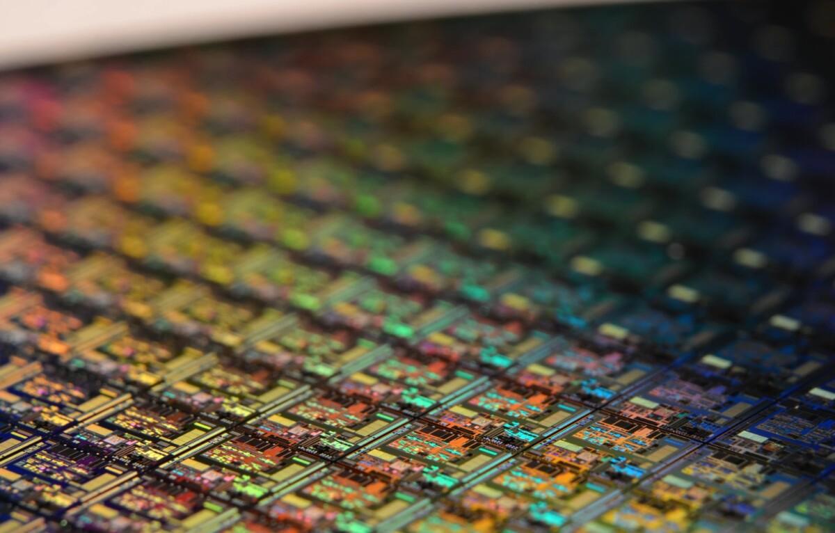 Sous l'impulsion de son nouveau CEO, Intel veut aller plus vite dans l'introduction de nouvelle technologies… et on ne demande que ça