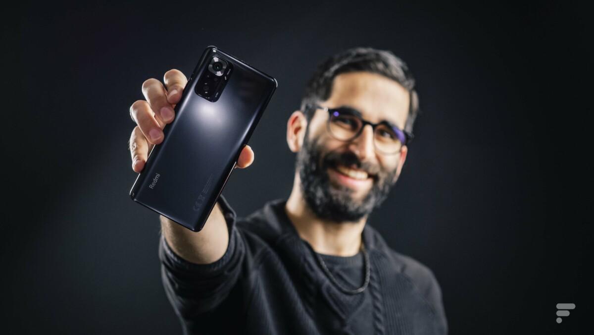 Xiaomi Redmi Note 10 Pro tenu en main