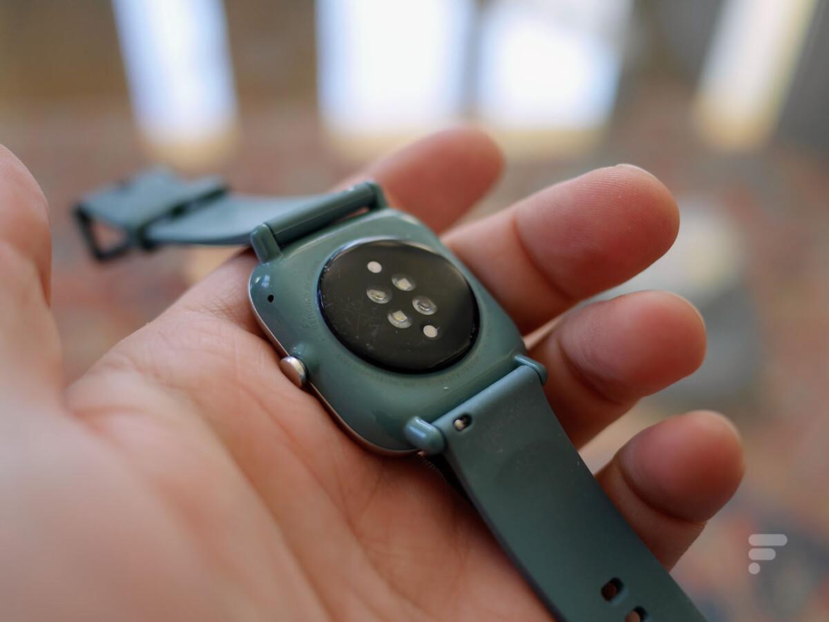 Le capteur de rythme cardiaque de la montre Amazfit GTS 2 Mini