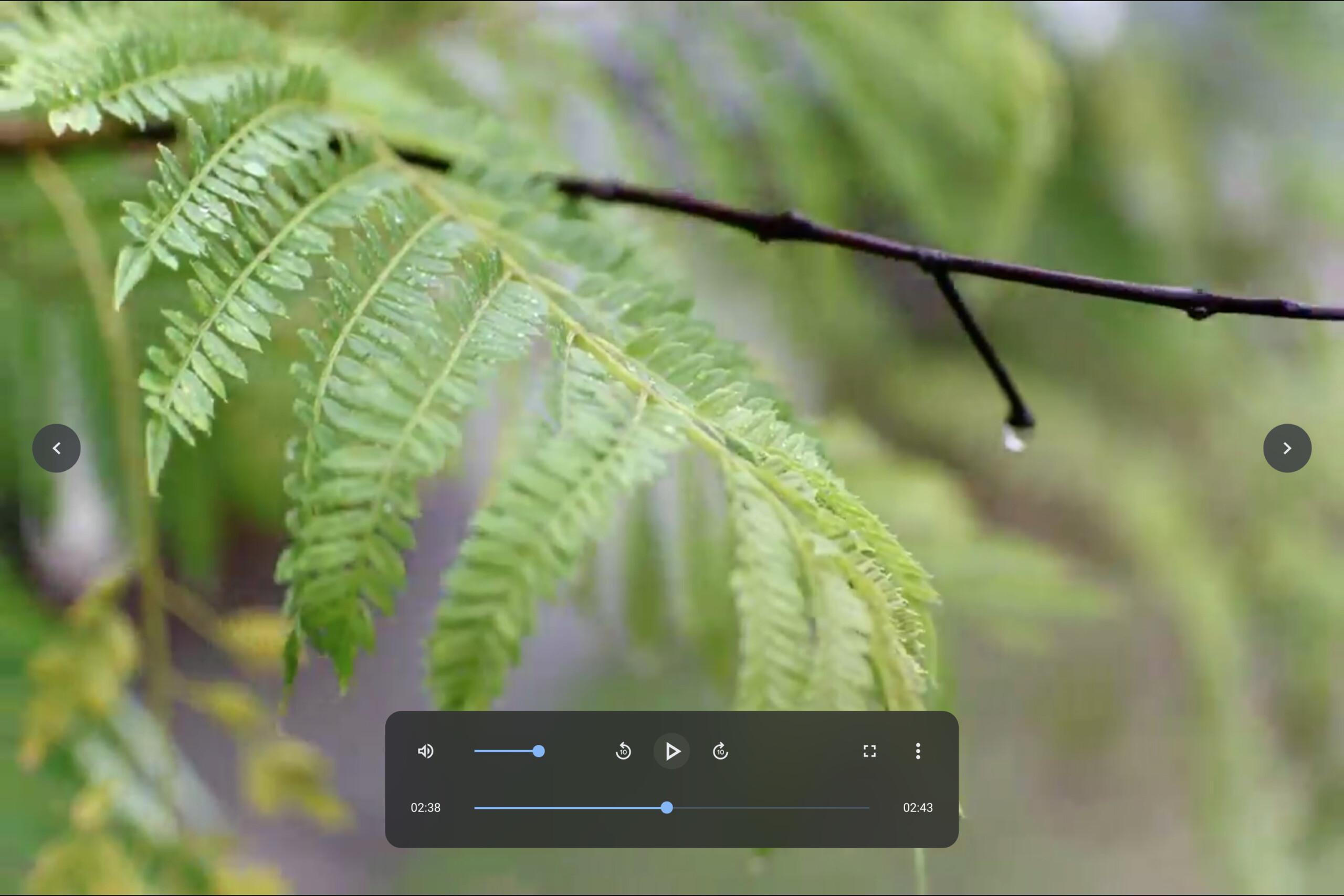 Le nouveau lecteur en mode plein écran // source : Android Police