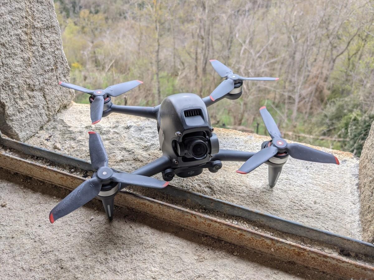 Le DJI FPV n'est pas un drone deux-en-un
