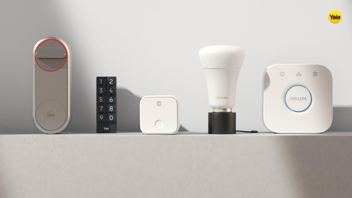 La gamme d'appareils Yale et Philips Hue compatibles