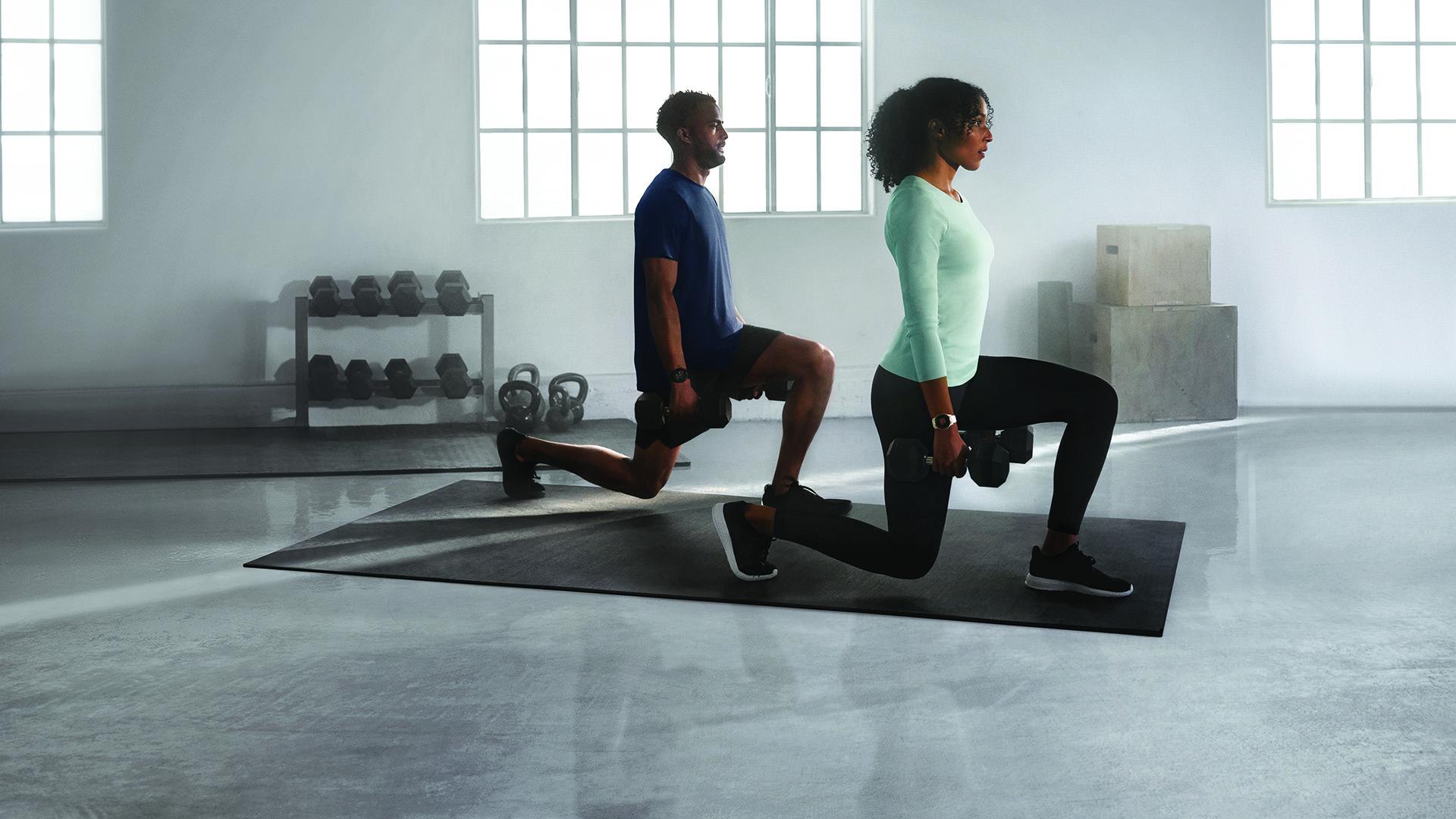 Même pendant vos activités physiques, la Garmin Venu 2 vous suivra.