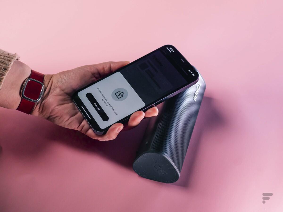 L'appairage de l'enceinte Sonos Roam avec un iPhone est facilité