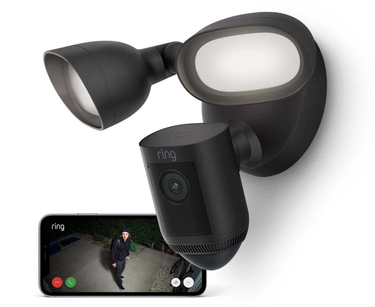 La caméra de surveillance extérieure Ring Floodlight Cam Wired Pro