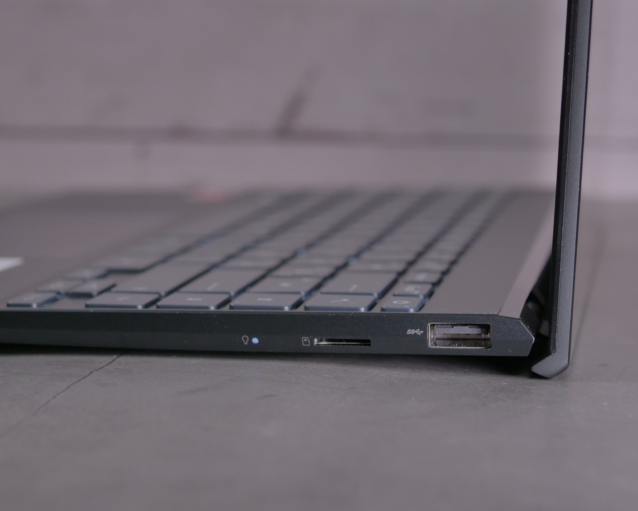 Asus ZenBook13UM325UA