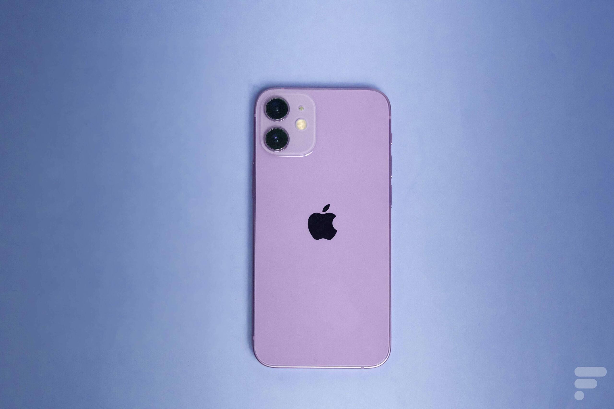 Ici l'iPhone12 et son nouveau coloris mauve, pour illustration