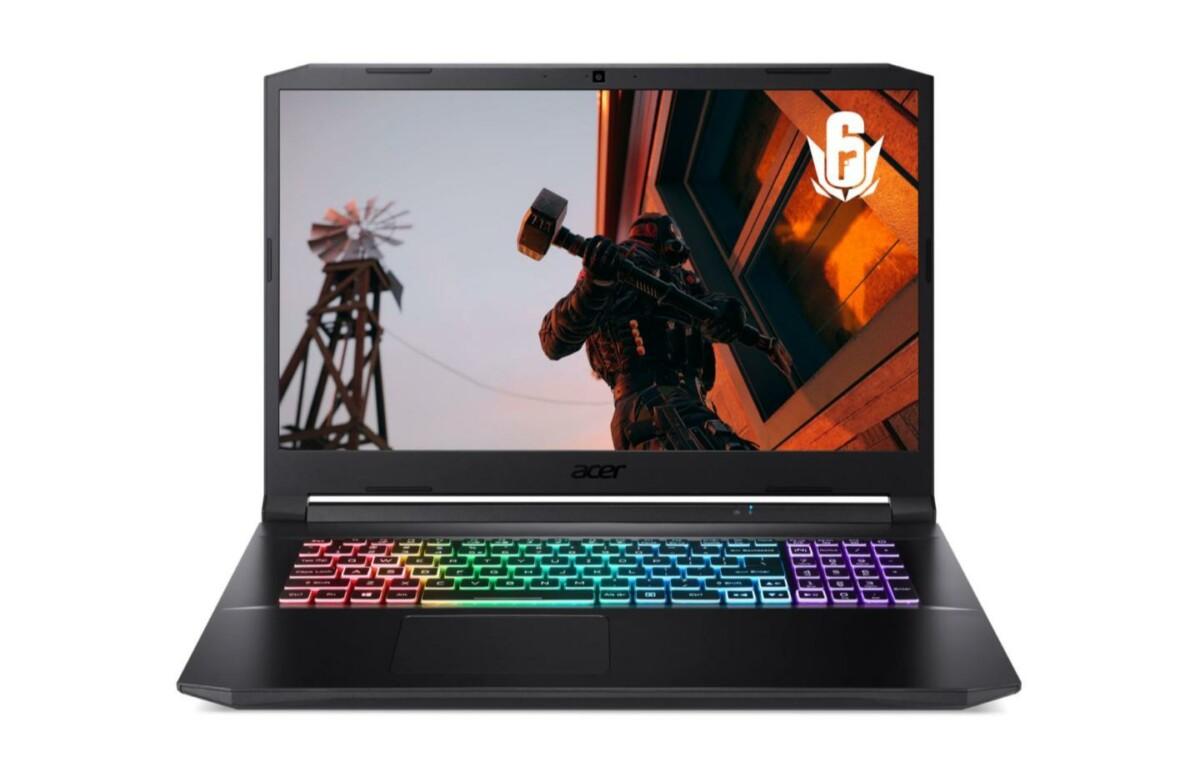 Le PC portable Acer Nitro AN517-41-R9WP et son clavier rétroéclairé de différentes couleurs
