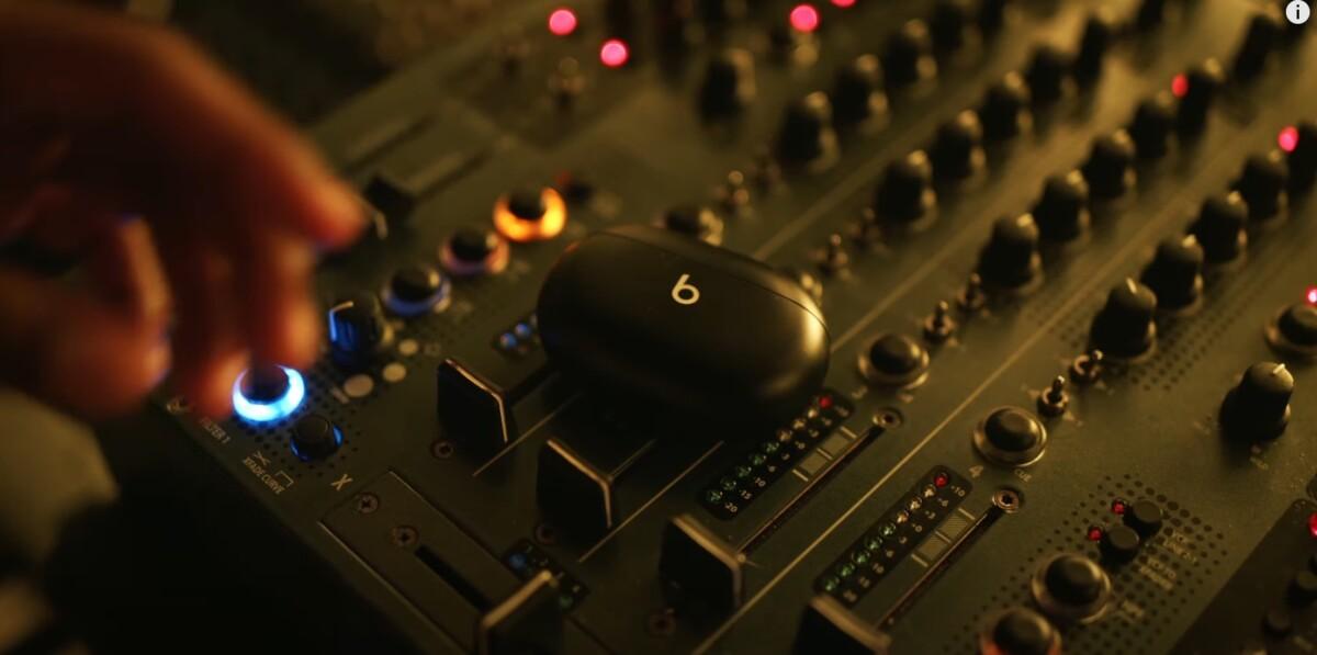 Les écouteurs Beats Studios Buds apparaissent dans un clip