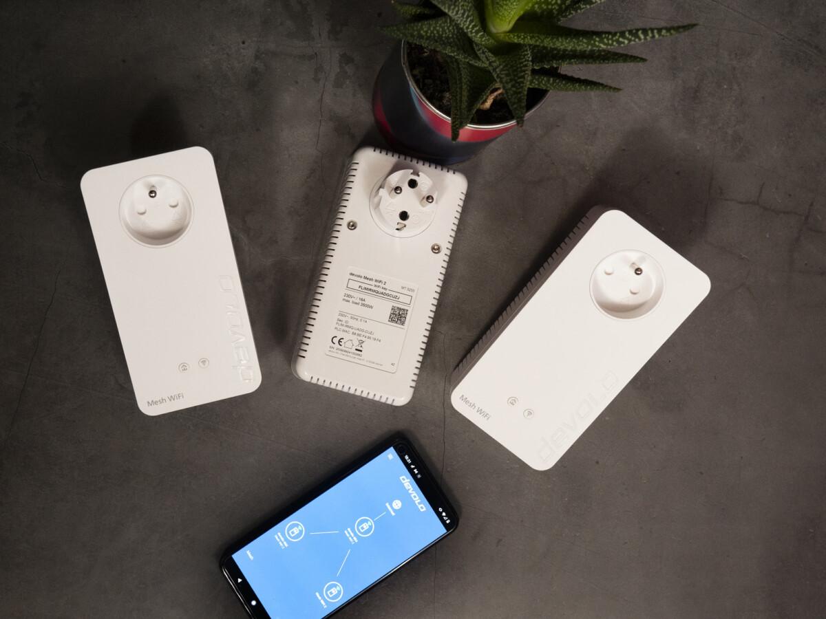 La prise gigogne des prises CPL du kit Wifi Mesh2 de Devolo est réversible. Une bonne idée, de façon à pouvoir retourner la prise si celle-ci est haute par rapport au sol.
