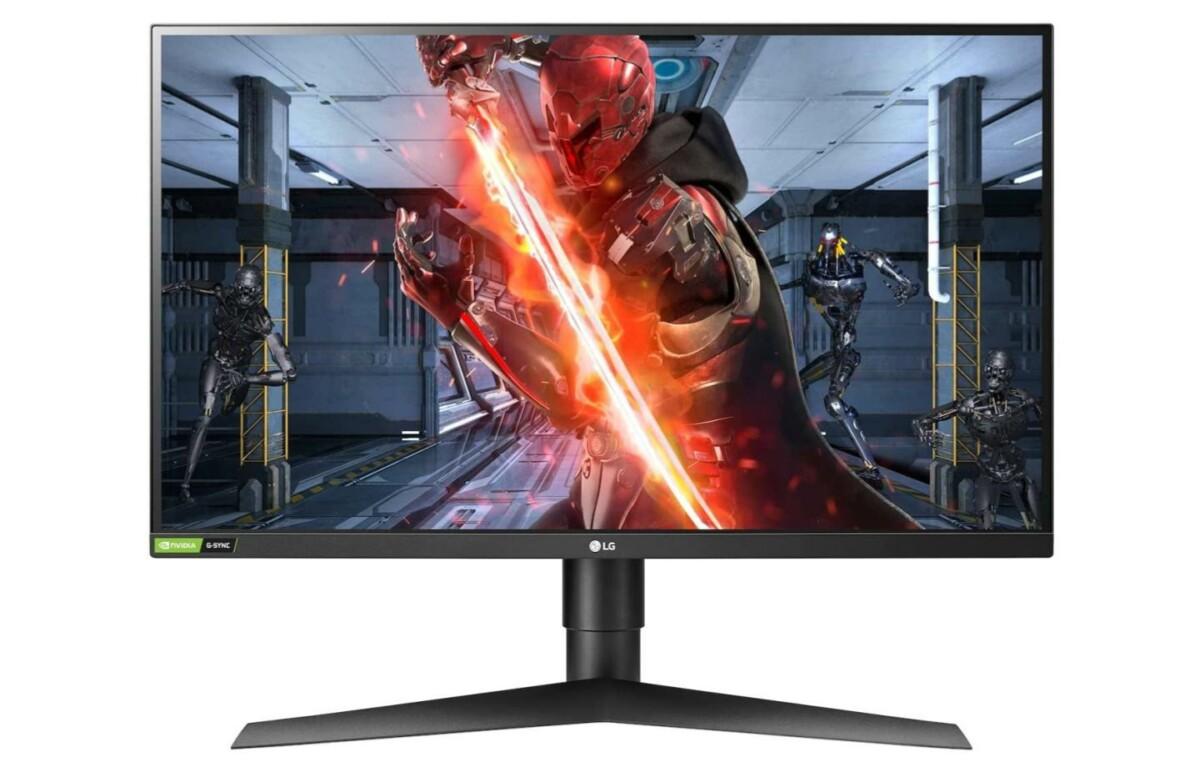 Le LG UltraWide 27 pouces avec une image de jeu affichée à l'écran