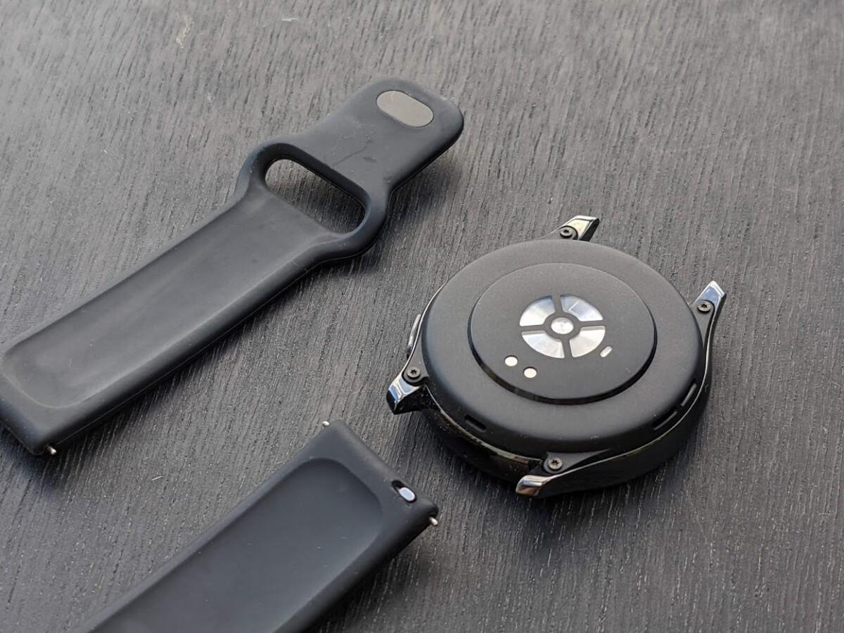 Le bracelet de la OnePlus Watch est facilement changeable