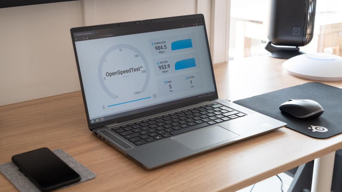 Test de débits réalisé sur un serveur local avec un Dell Latitude9510 équipé d'une puce Intel Wi-Fi6AX201