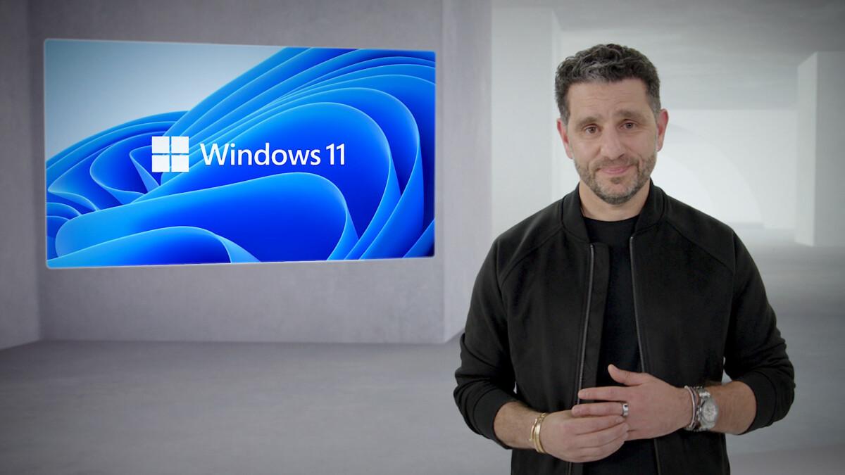 Panos Panay lors de la présentation de Windows 11