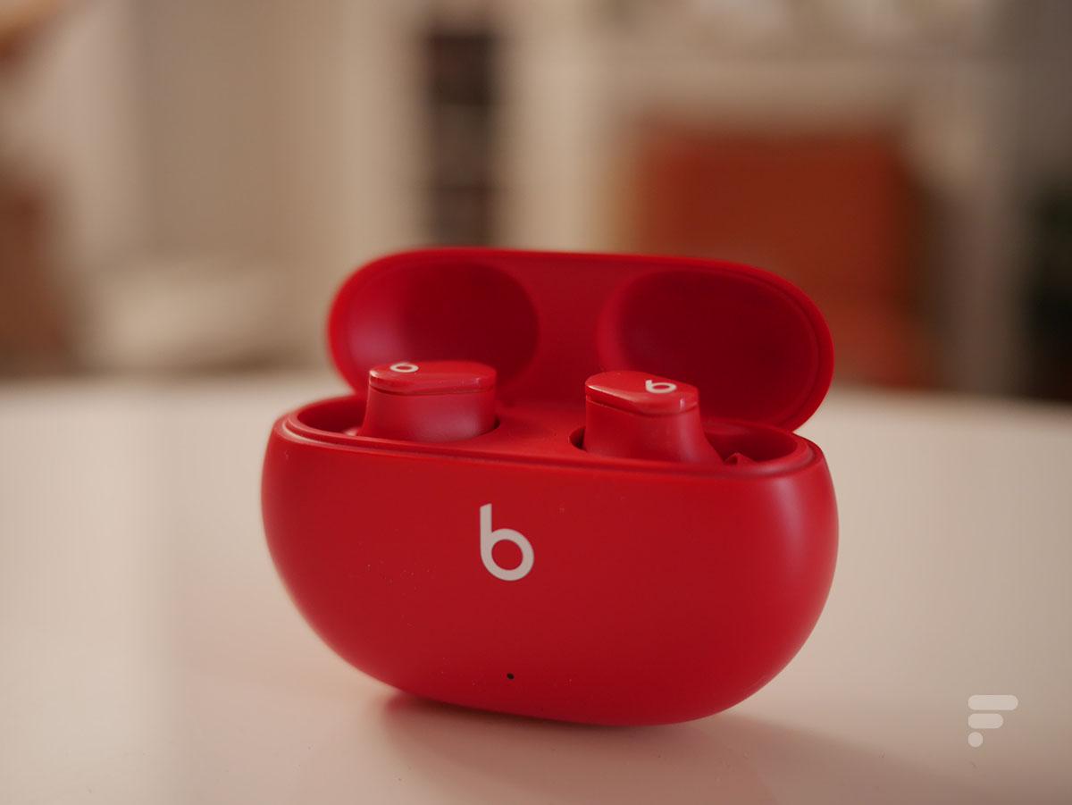 Le boîtier des Beats Studio Buds