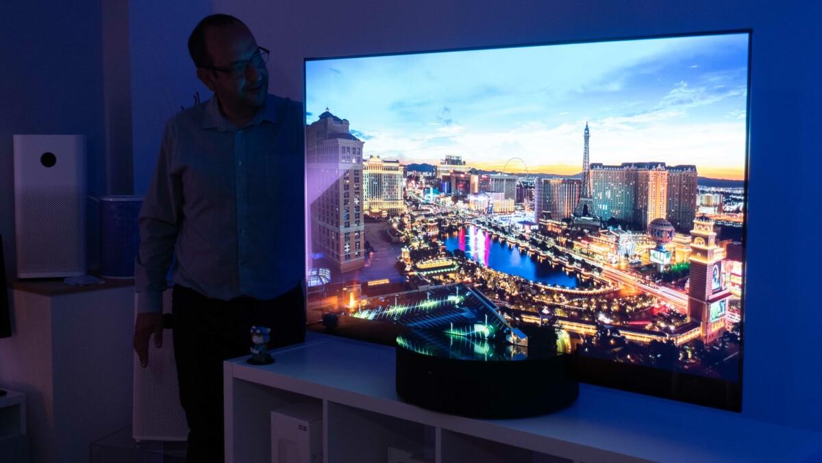 Xiaomi Mi TV Lux Transparent Edition : nos impressions sur le TV OLED transparent