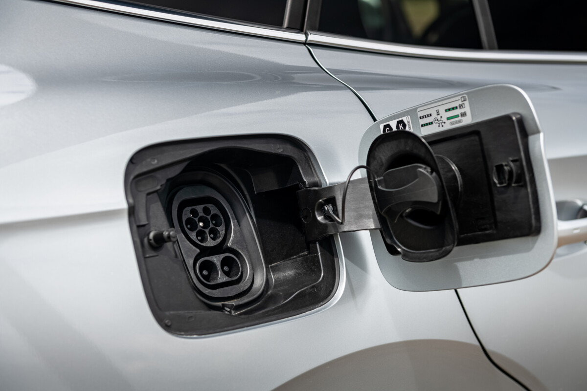 La prise de recharge répond au nouveau standard européen Combo CCS