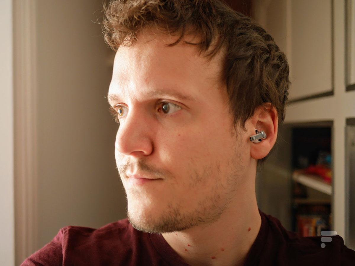 Les écouteurs Nothing Ear 1 sont équipés d'une réduction de bruit active