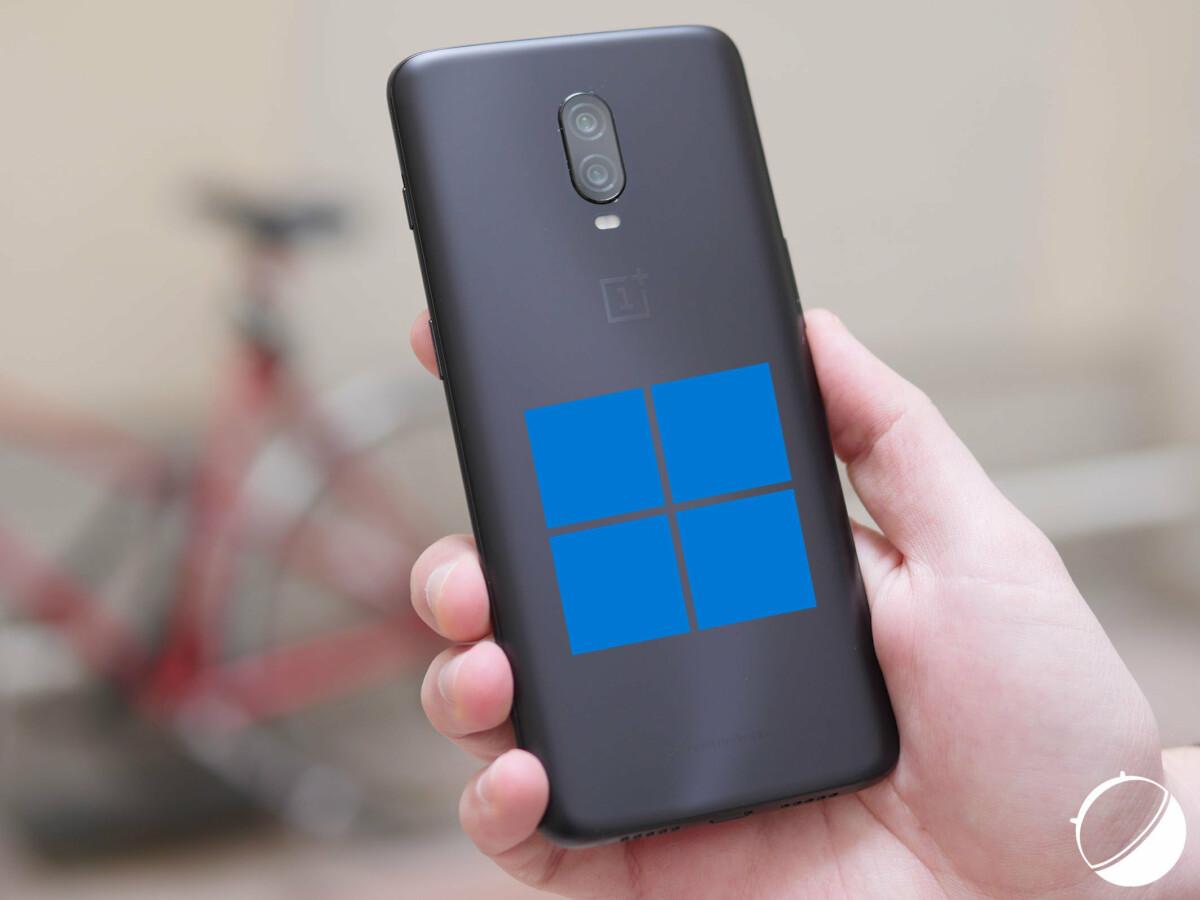 Un OnePlus 6T avec le logo Windows 11