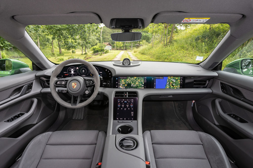 Essai du Porsche Taycan Cross Turismo: le plus technologique des aventuriers?