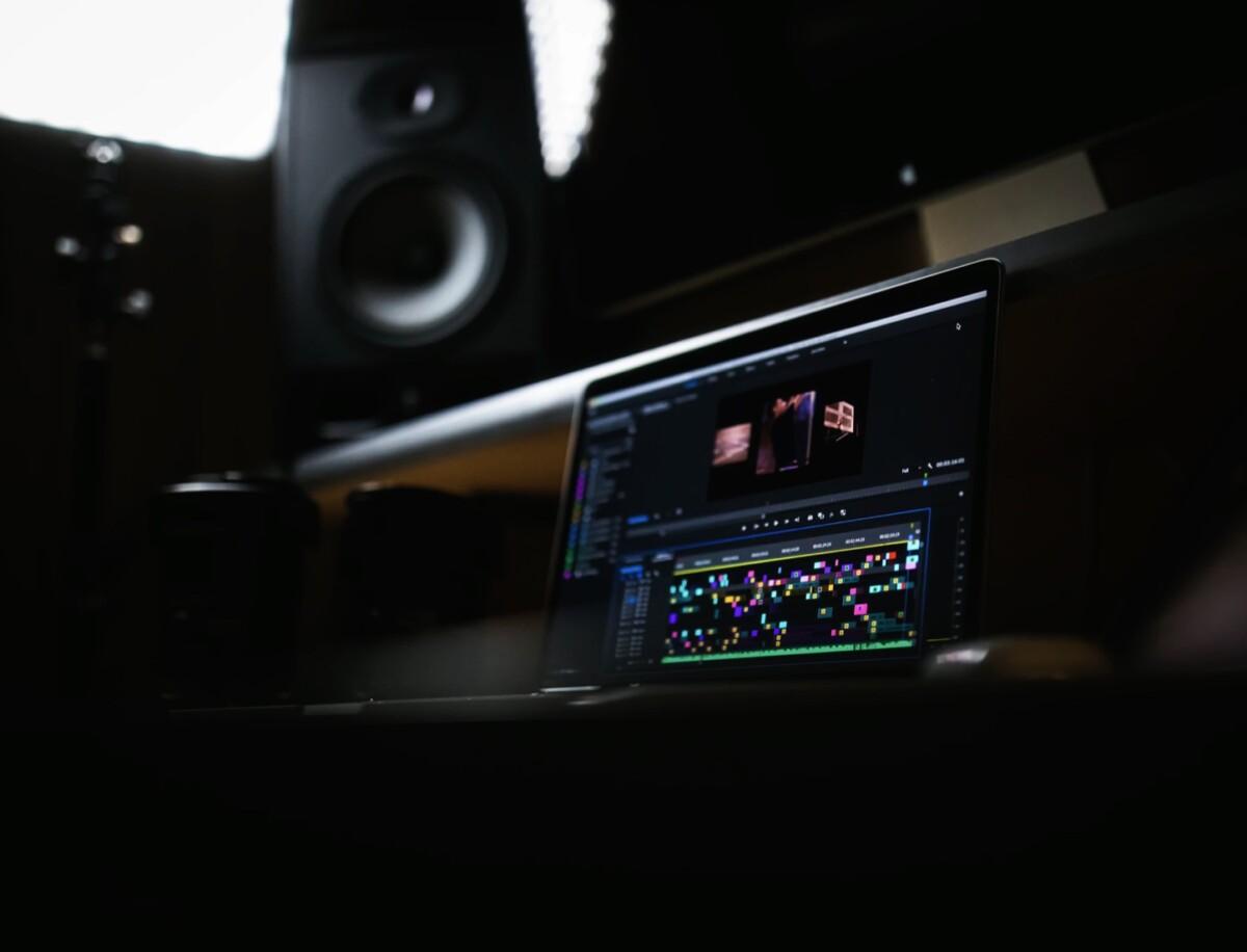 Adobe Premiere Pro est maintenant capable de fonctionner nativement sur les Mac équipés de processeurs ARM Apple Silicon
