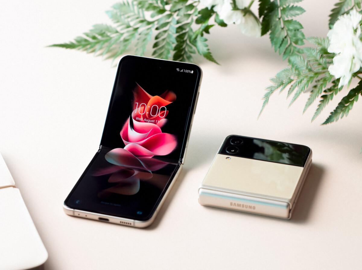 Le Galaxy Z Flip 3 coloris «Cream»