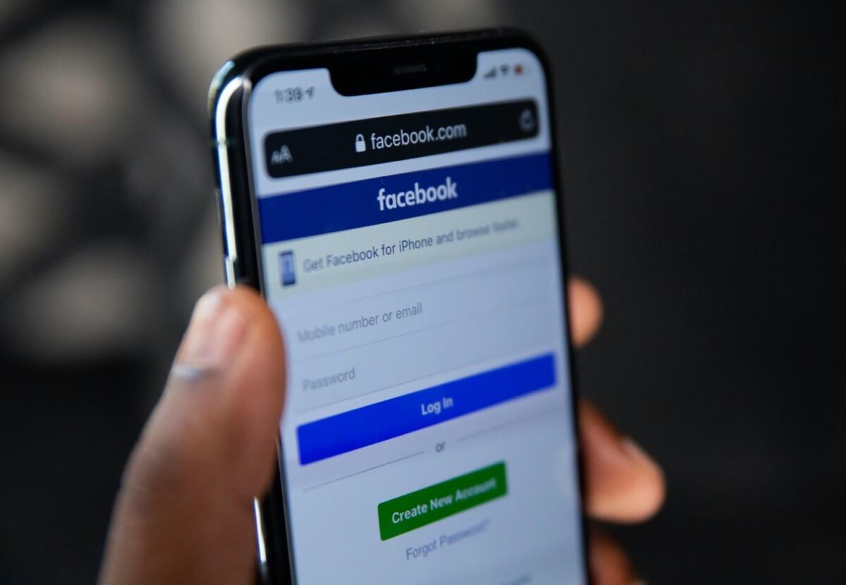 Un rapport dérangeant a été temporairement mis de côté par Facebook pour préserver son image