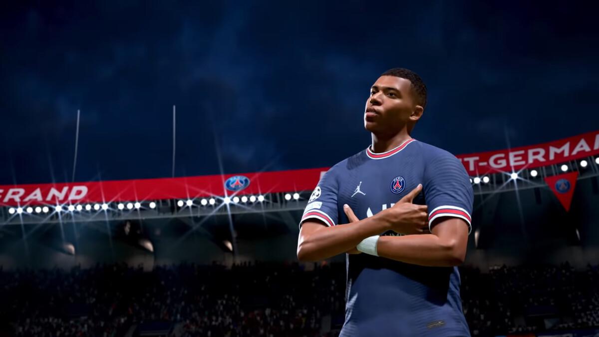 Mbappé dans FIFA 22 et en couverture du jeu
