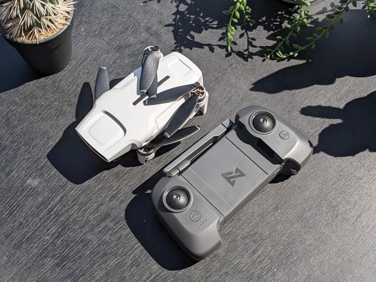 Le drone et sa radiocommande sont facilement transportables