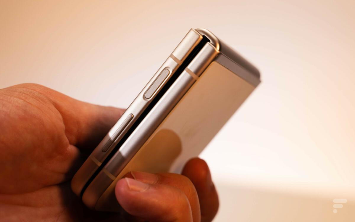 Une idée de la taille du Galaxy Z Flip 3.