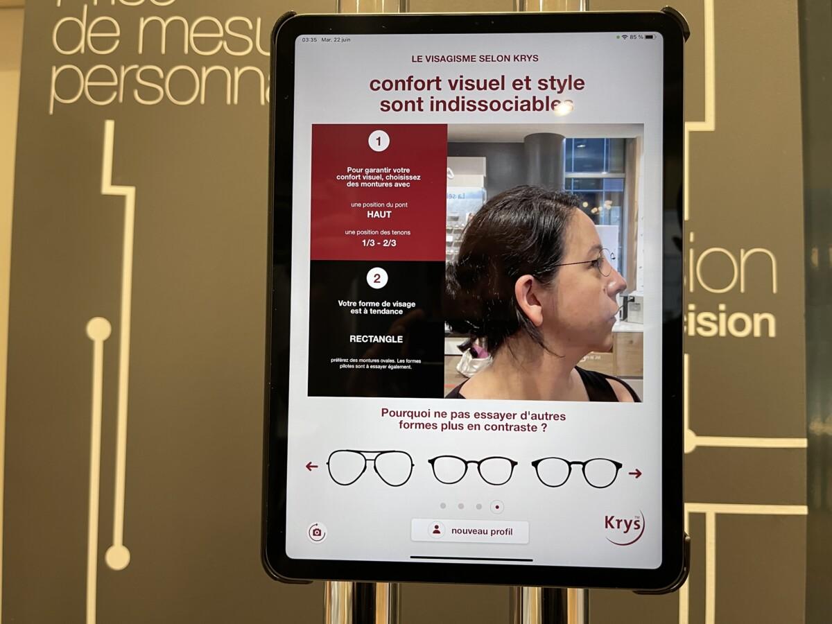 Vous pouvez tester si une paire de lunettes vous va bien