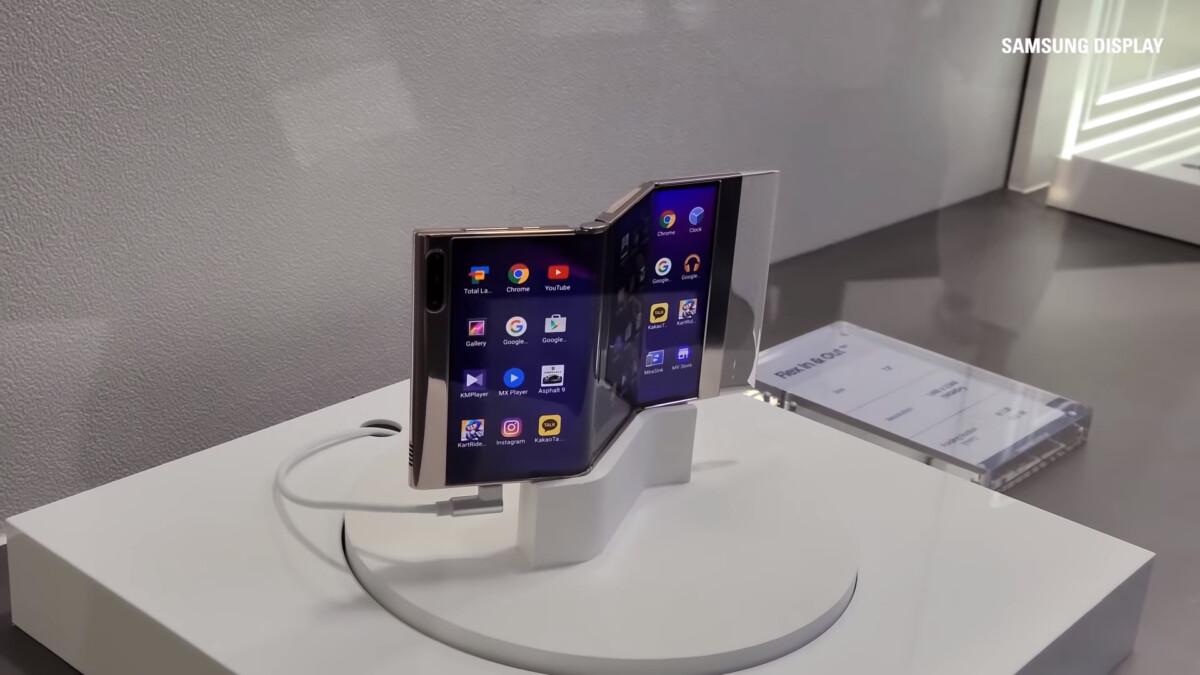 Este teléfono inteligente Samsung no se inclina hacia atrás, sino al revés