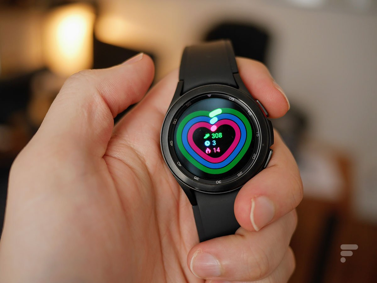 Les tuiles d'applications sur la Samsung Galaxy Watch 4 Classic