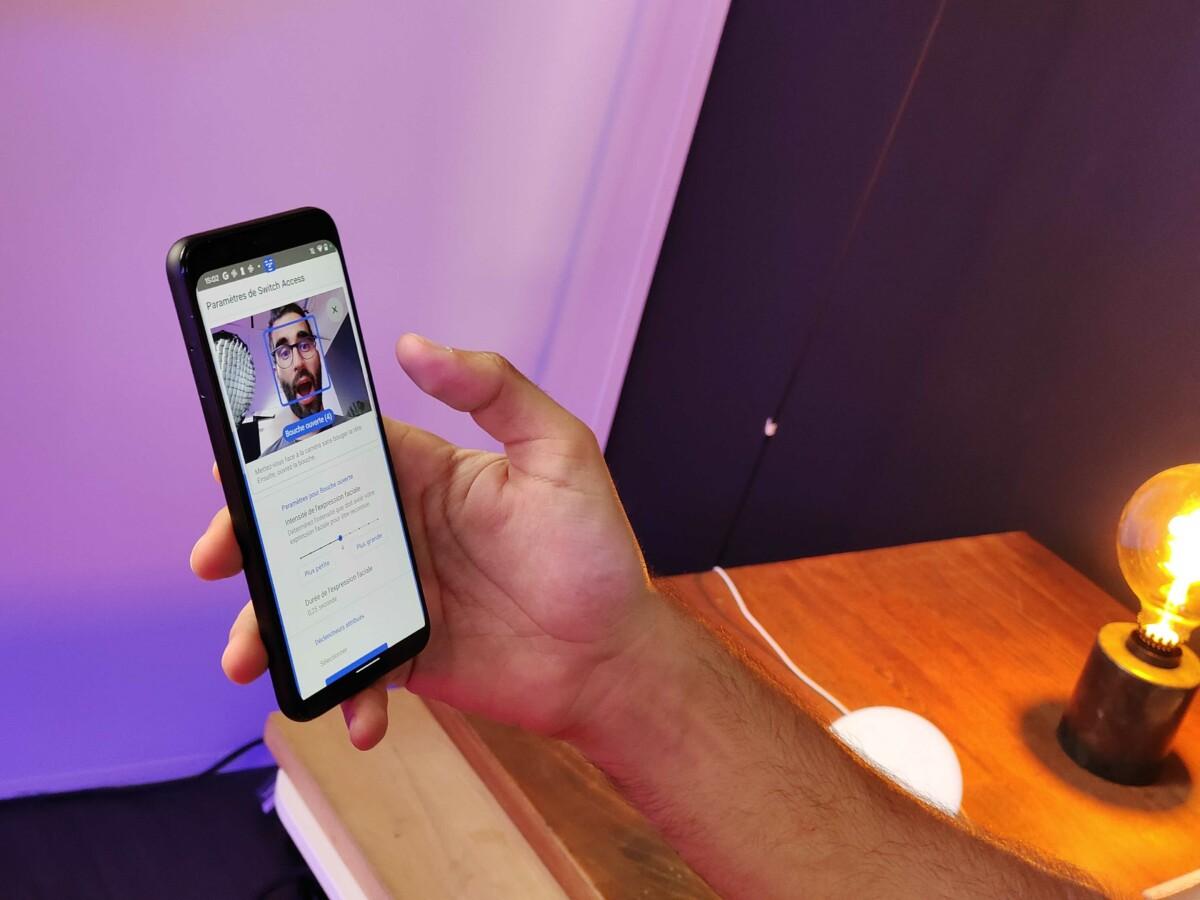 Aprire la bocca può agire con le opzioni di accessibilità su Android 12