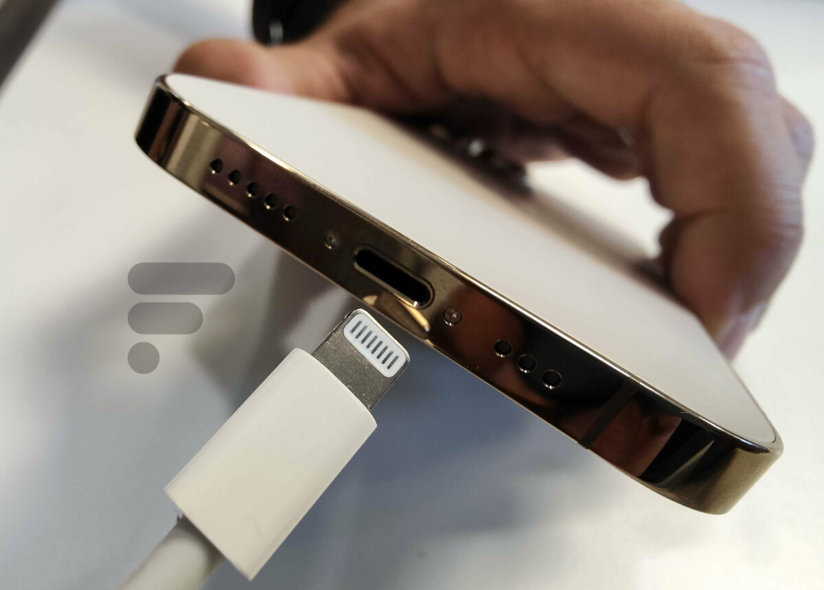 La charge Lightning de l'iPhone 13