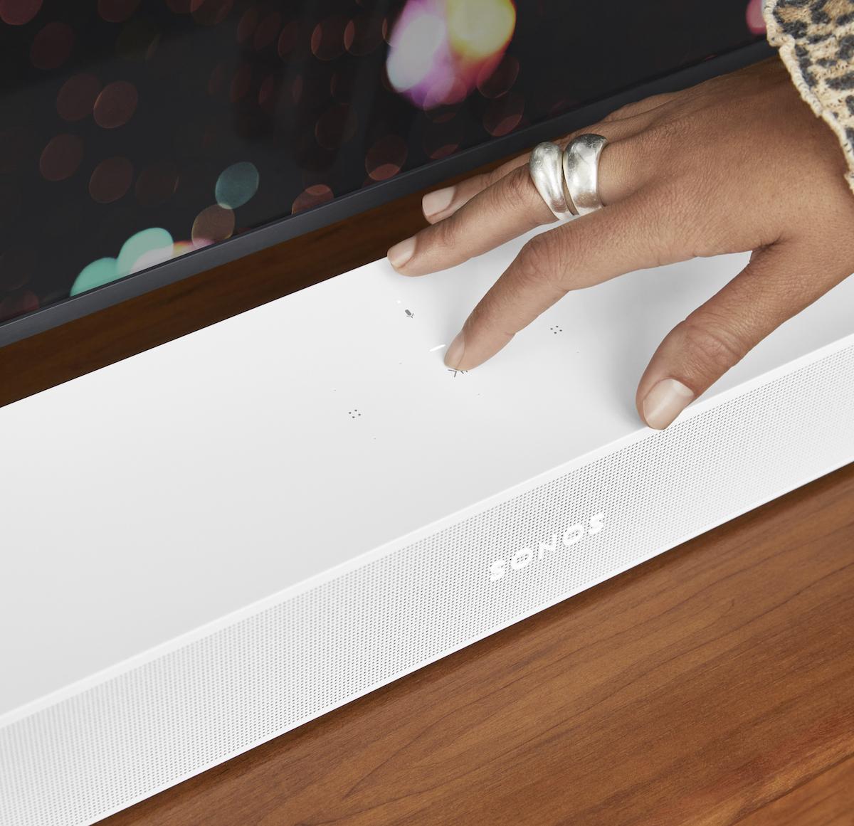 La Sonos Beam dispose toujours de contrôles tactiles sur le dessus